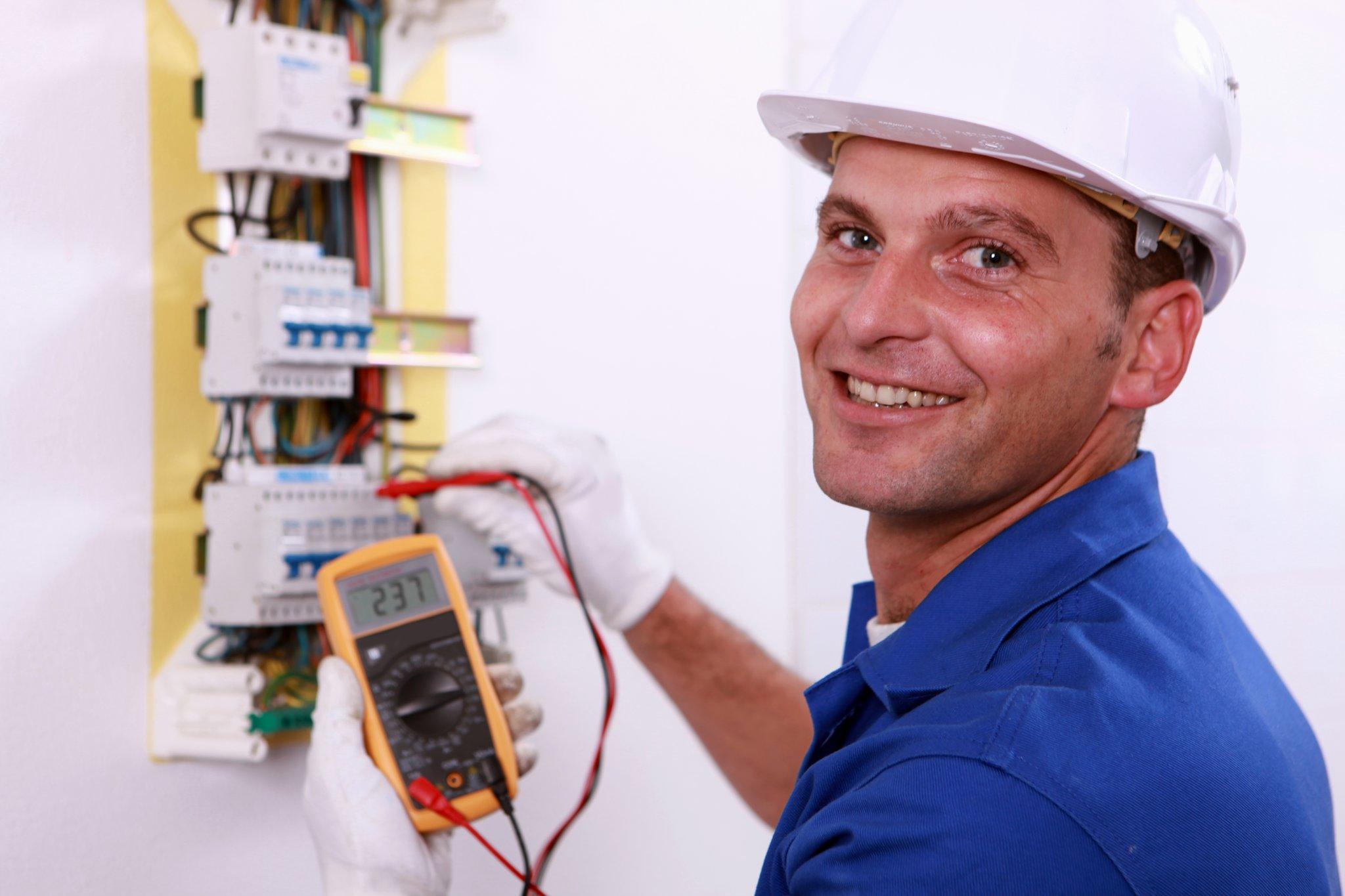 Was Kostet Ein Elektriker : ak konsumentenschutz elektriker preise vergleichen lohnt sich ober sterreich ~ A.2002-acura-tl-radio.info Haus und Dekorationen