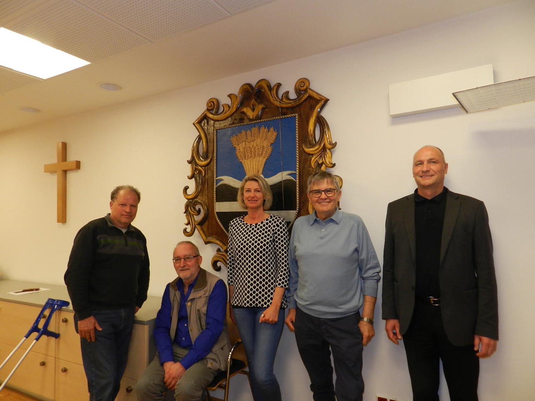 Dating portal aus deuchendorf, Asperhofen frau sucht jungen