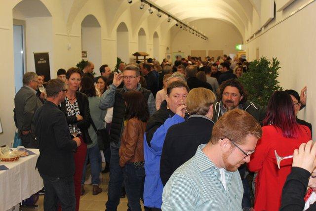 Ranshofen singles kennenlernen - Sexdates in Hunenberg