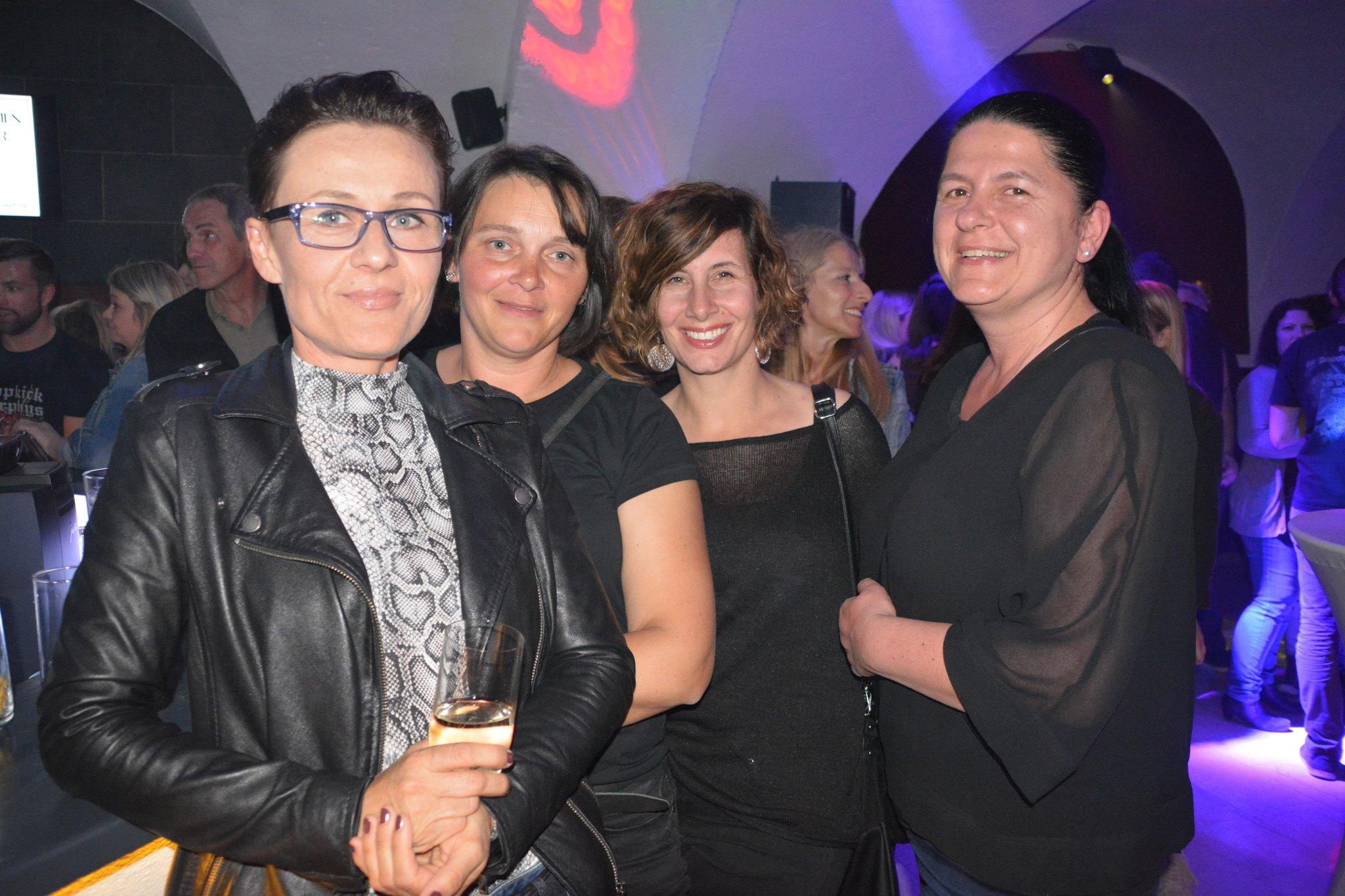 Beste dating app peuerbach, Maria saal treffen singles