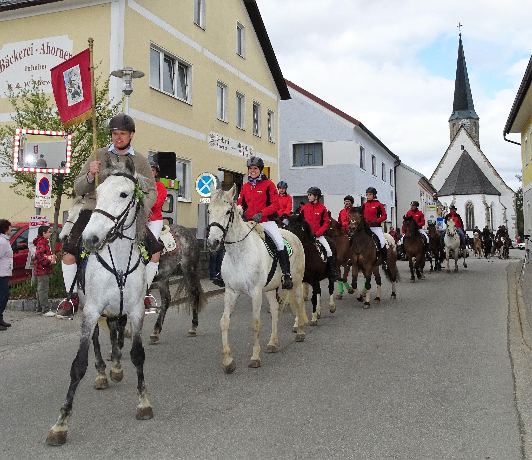 Georgiritt: Spektakel beim Pferde-Carneval in St. Georgen