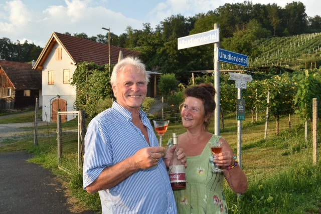 Leute | Beitrge zur Rubrik aus Jennersdorf - carolinavolksfolks.com