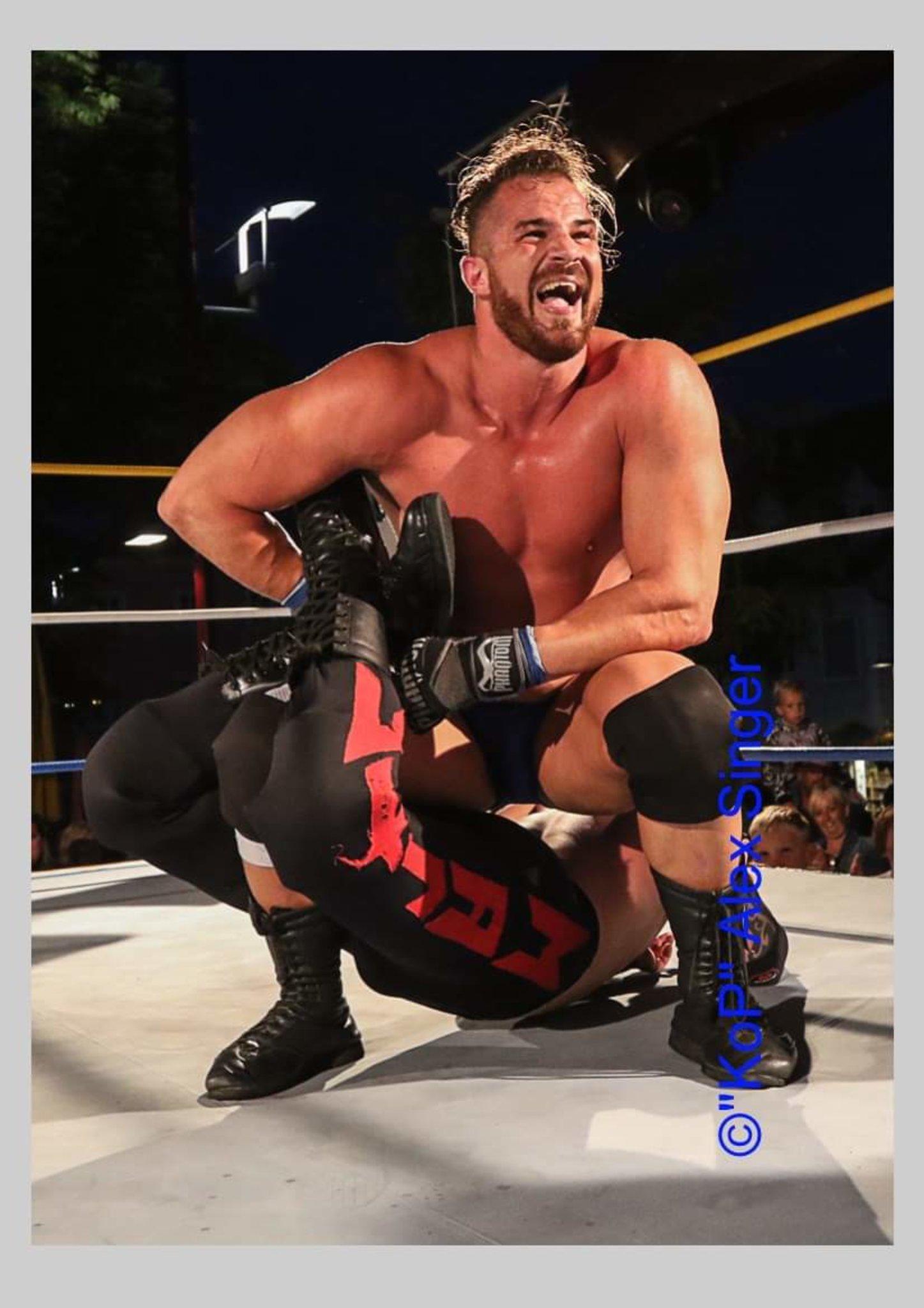 UKWA Wrestling: Weizer Hauptplatz als Wrestling-Bühne - Weiz