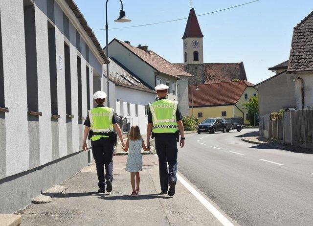 Kleinanzeigen sie sucht ihn in tirol Bad wimsbach-neydharting