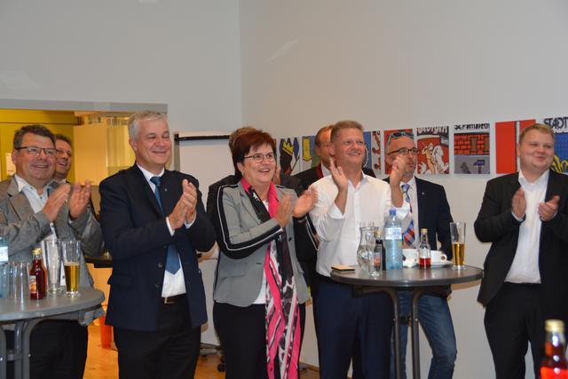 Er sucht Ihn in Amstetten: Gay Kontakte fr - Erotik Markt