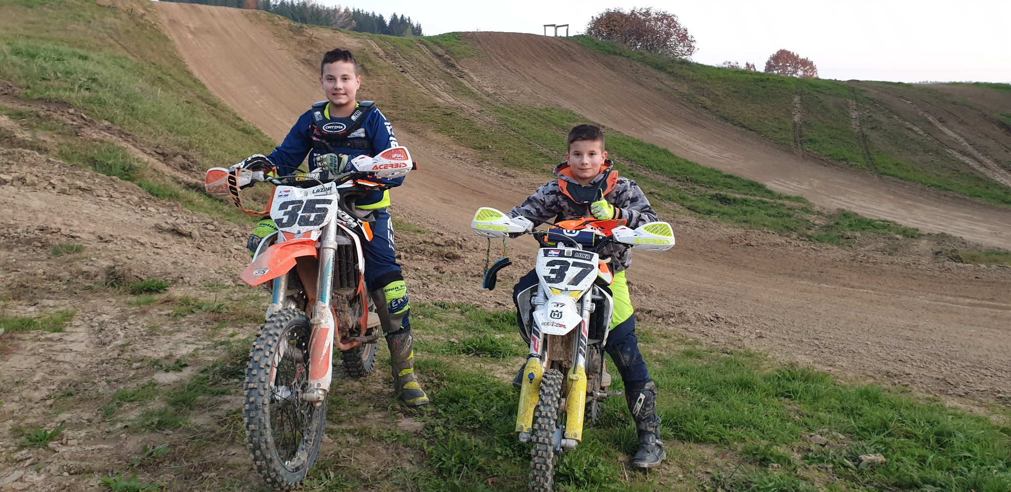 Braunauer Benzinbrüder: Motocross-Kids aus Braunau begeistern bei serbischer Staatsmeisterschaft - Braunau - meinbezirk.at