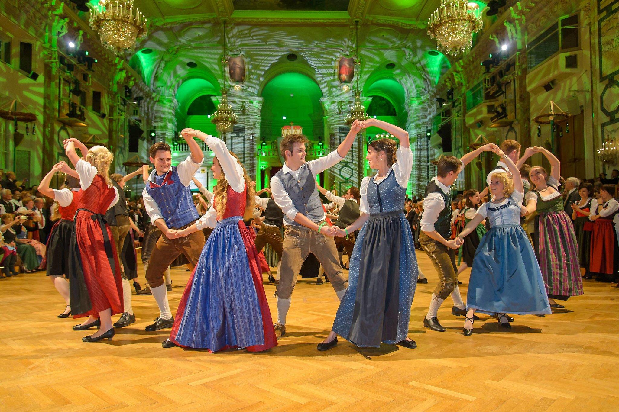 Mit der WOCHE beim Steirerball in Wien tanzen!