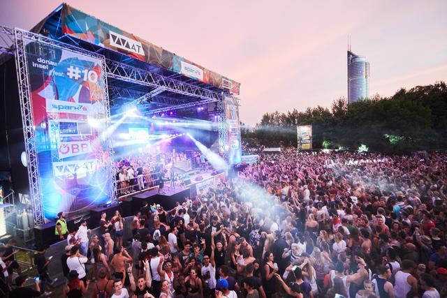 Ganz Wien Schon Im April Und Mai Das Donauinselfest 2020 Geht Auf Bezirke Tour Wien