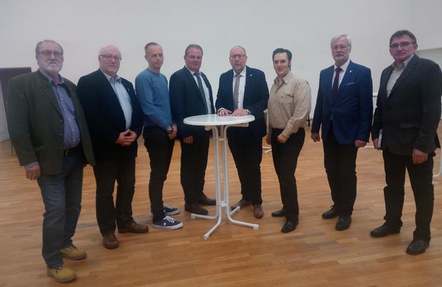 Partnersuche in Ladendorf - Kontaktanzeigen und Singles ab 50