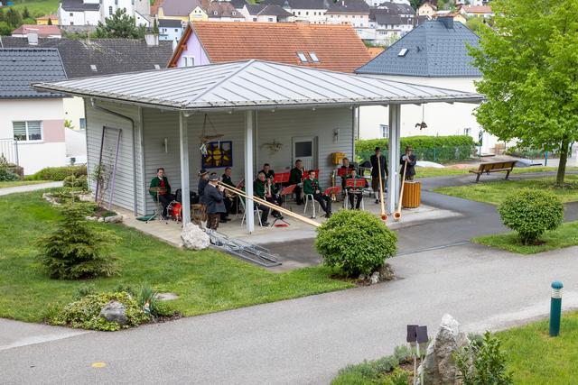 Tanzkurse in Hippmanns neuer Location samt Tanzlokal