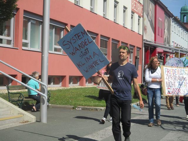 Partnersuche kreis in lanzenkirchen. Partnervermittlung aus
