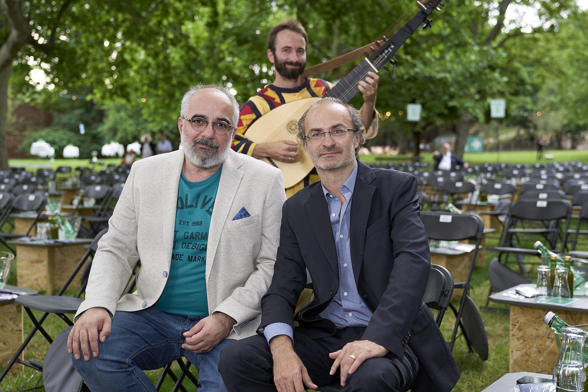 Open Air Georg Hoanzl And Michael Niavarani Open Theater Im Park Archyworldys