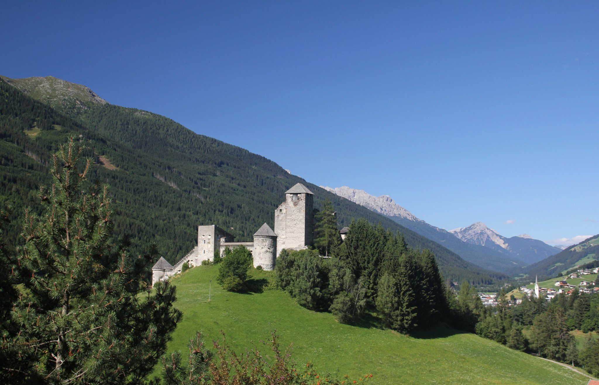 Die Burg Heinfels öffnet ihre Tore