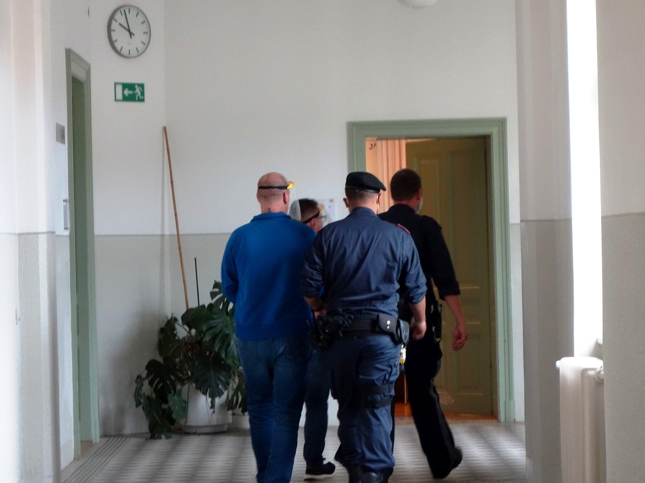 Reitstalleinbrecher-zu-dreieinhalb-Jahren-Haft-verurteilt