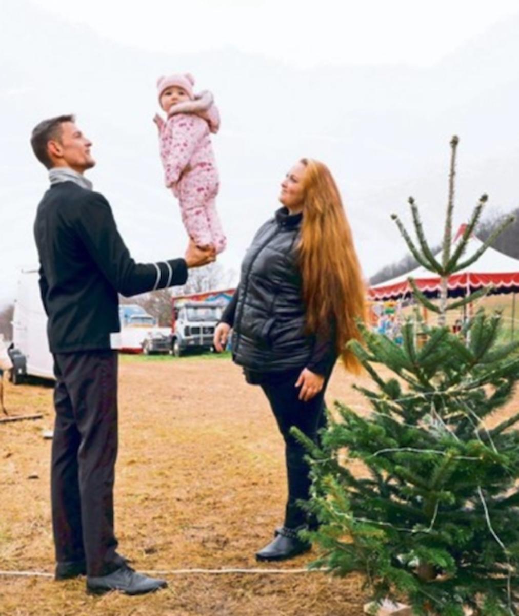 Gemeinsam mit ihrer kleinen Tochter sind die Spindlers mit ihrem Circus bei Breitenfurt gestrandet.