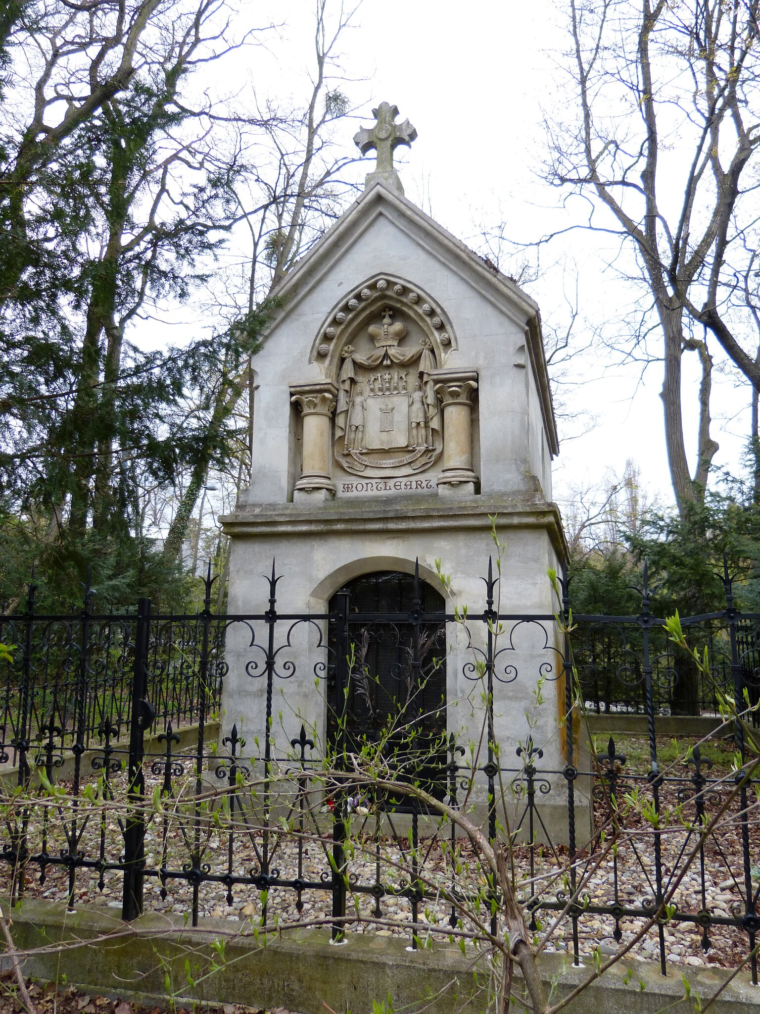 Montl-art-Mausoleum