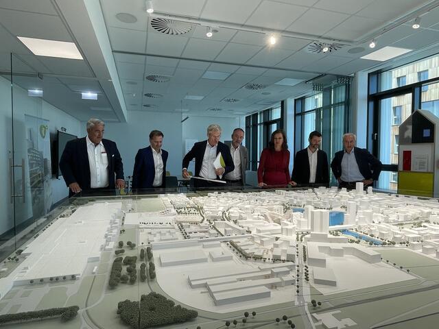 Wie wichtig die Stadtstraße und die S1-Spange für die Seestadt Aspern laut Experten ist, wurde heute am 16. Juli erläutert.