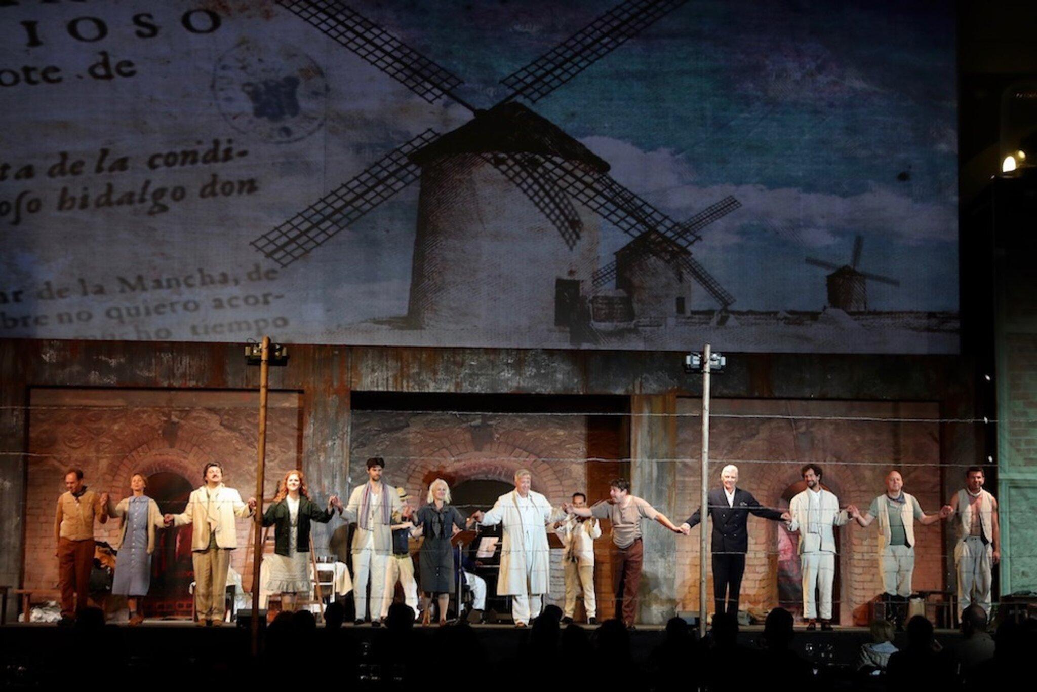 Grandiose-Premiere-beim-Mann-von-La-Mancha-