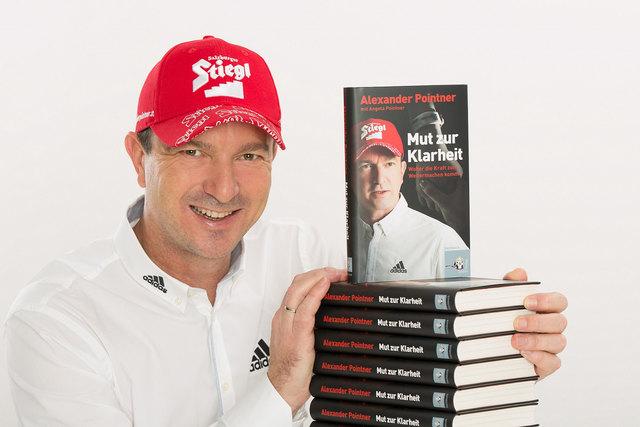 """Alexander Pointner und sein neues Buch """"Mut zur Klarheit""""."""