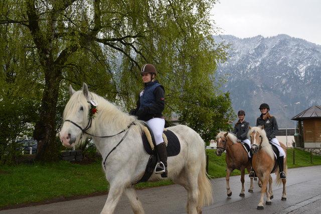 Reiter, Kutschenfahrer und Pferdefreunde sind beim Georgiritt in Ebbs an der richtigen Adresse.