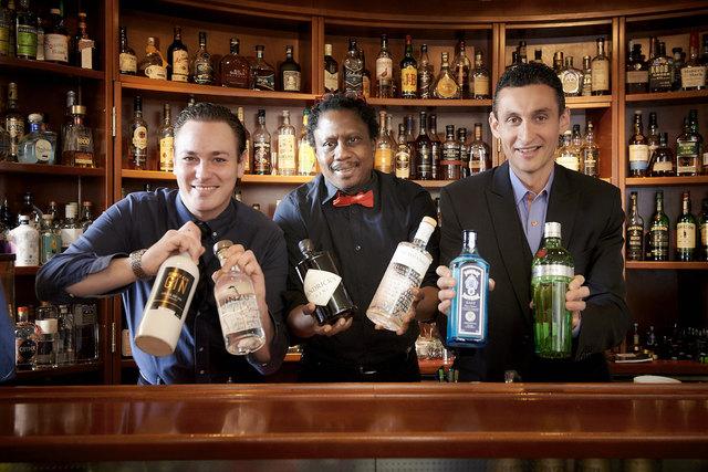 Das Team der First American Bar