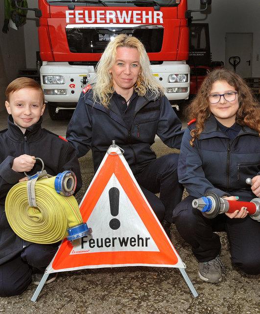 auch Jugendfeuerwehrleiterin Sabine Riedler mit Melanie Schuhwitsch und Robin Riedler freuen sich auch auf das FF Fest ihrer Kemmelbacher Wehr