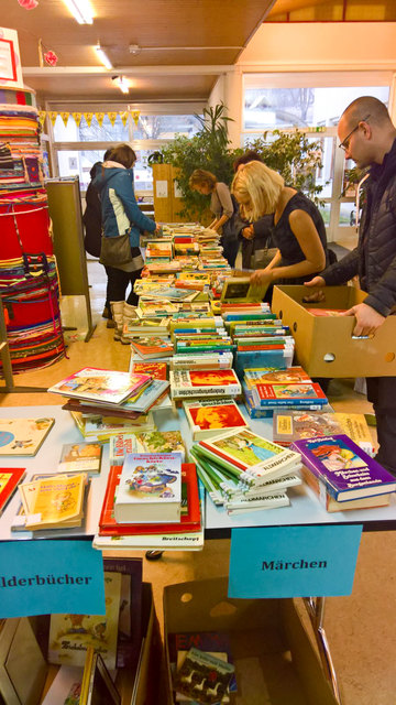 Beim Bücherflohmarkt in Hart bei Graz ist für jeden etwas dabei.