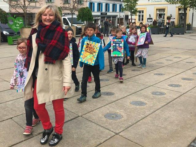 Im Vorjahr gab es eine Leseparade der Schüler am Gleisdorfer Hauptplatz. Heuer wurde das Programm ausgeweitet.