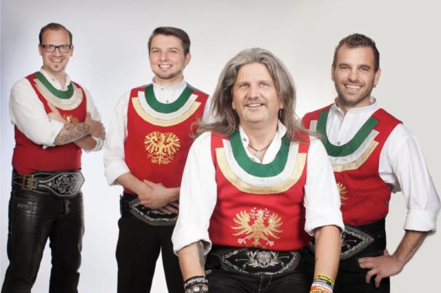 Die Freddy Pfister Band spielt am 1. Mai inmitten der Blumenwelt Norz-Tichoff auf.