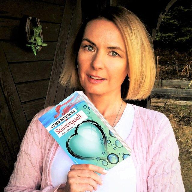 """Claudia Rossbacher liest am 27. April aus ihrem neuesten Roman """"Steirerquell"""" in der Bibliothek Schwanberg."""