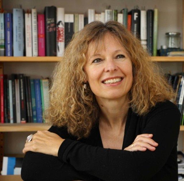 """Die Autorin Birgit Müller-Wieland liest aus Ihrem Buch """"Flugschnee""""."""