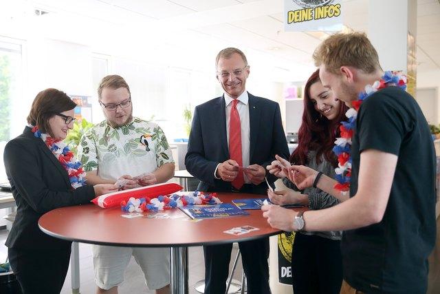 In allen Jugendservice-Stellen in Oberösterreich findet die Panini-Stickertauschbörse statt.