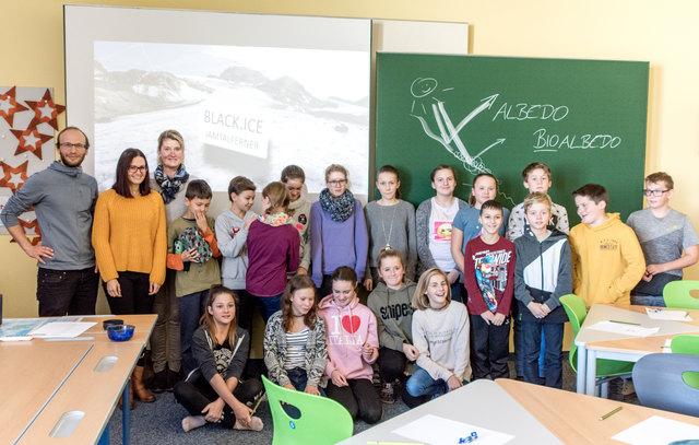Die Schülerinnen und Schüler der NMSK erforschen in den nächsten zwei Jahren den Gletscherschwund.