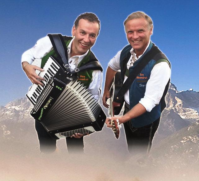 """Das """"Duo Abendrot"""" freut sich auf viele """"Spontanmusikanten""""."""