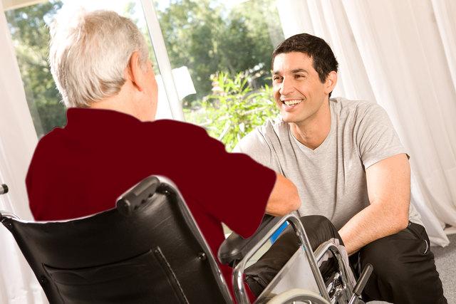"""Sinnstiftung im Alltag, auch bei Pflegebedürftigkeit, ist ein wichtiger Teil der Ausbildung """"Sozialbetreuung Altenarbeit"""" an der SOB."""