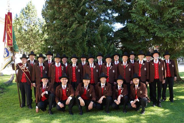 Der Männergesangsverein Reutte besteht aktuell aus 26 aktiven Sängern.