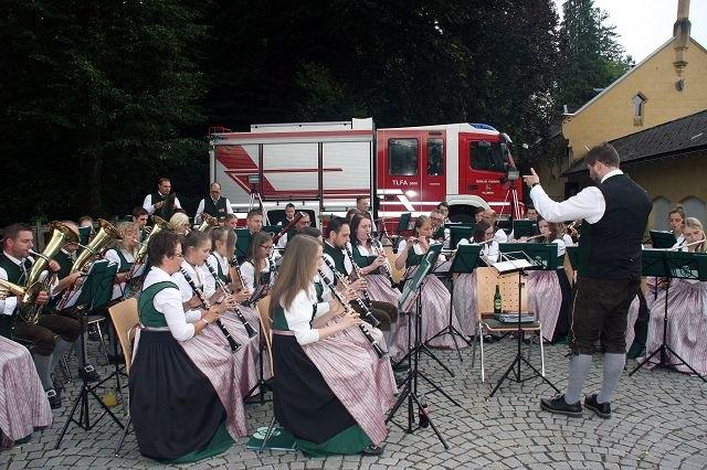 Legendär sind die Dämmerschoppen der Musikkapelle Hollenegg, heuer am 29. Juni.
