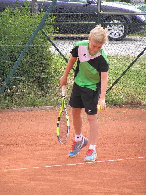 Die Tennisjugend tritt in Altenfelden gegeneinander an.