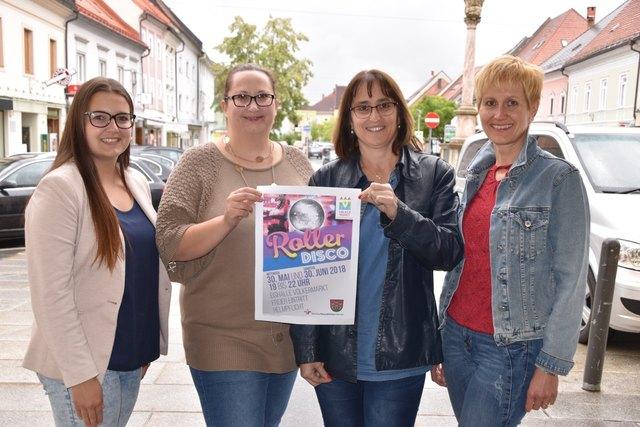 Lehrling Vanessa Zwirn, Gemeinderätin Isabella Koller, Vizebürgermeisterin Edeltraud Gomernik-Besser, Gemeindebedienstete Sabine Rausch (von links)