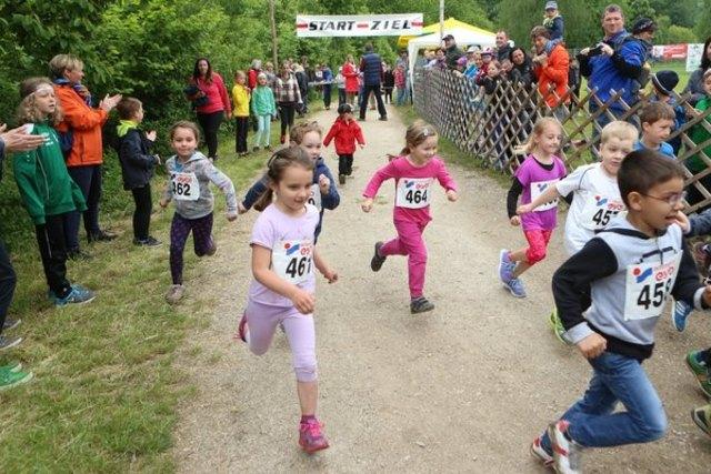 Das Veitscher Dorffest wird mit einem Kinderlauf eröffnet.