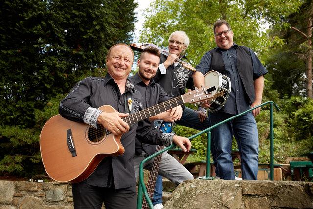 """Gemeinsam mit seinen """"Fabulous Boys"""" spielt Harry Prünster auf der Graukogelhütte."""