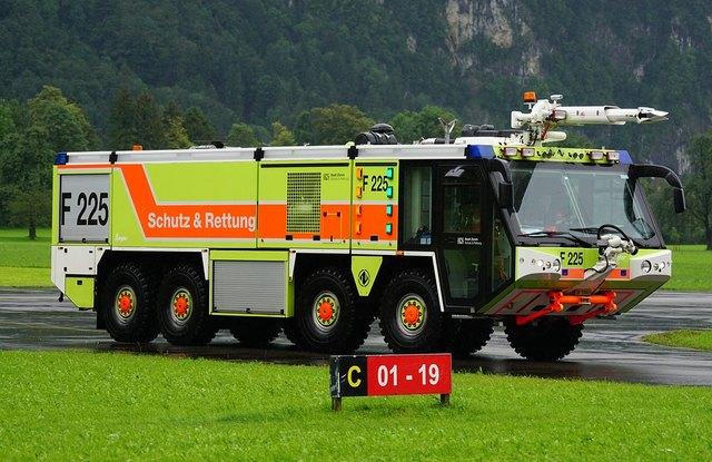 Tanklöschfahrzeug-Segnung der Freiwilligen Feuerwehr Detusch-Griffen