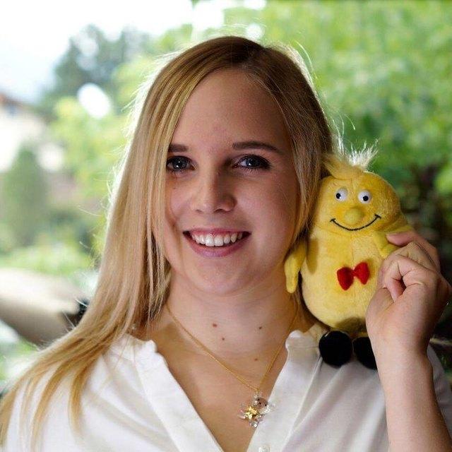 """Jasmin Hetzenauer freut sich schon sehr auf die """"musikalische Zusammenarbeit"""" mit den Kindern!"""
