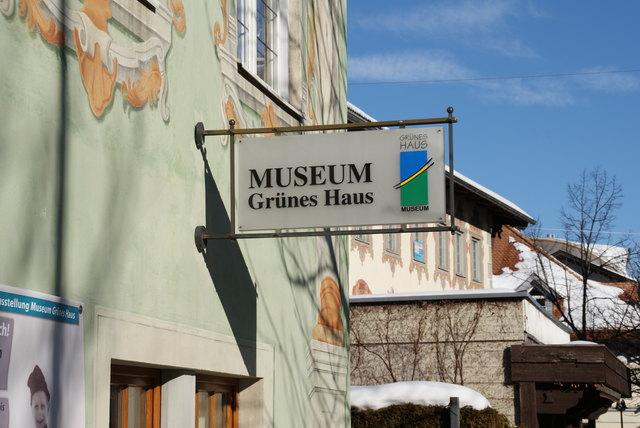 Am langen Donnerstag, 04.10.2018, findet im Museum Grünes Haus um 17:30 Uhr eine kostenlose Führung durch die aktuelle Sonderausstellung statt.
