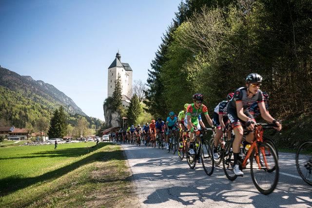 Die Rad-WM führt viermal von Kufstein aus an der Wallfahrtskirche Mariastein vorbei nach Innsbruck.