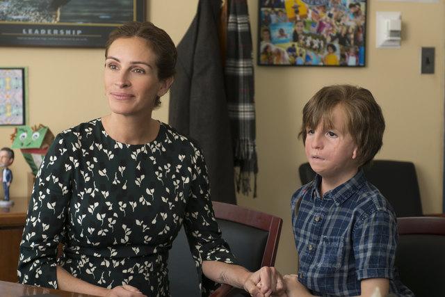 Der kanadische Nachwuchsstar Jacob Tremblay als Auggie mit seiner Filmmutter Julia Roberts.